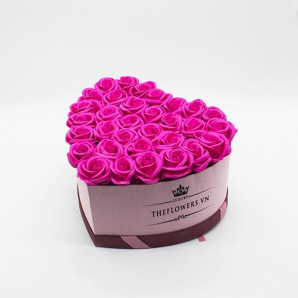 Hoasáp màu hồng hộp trái tim hồng size L