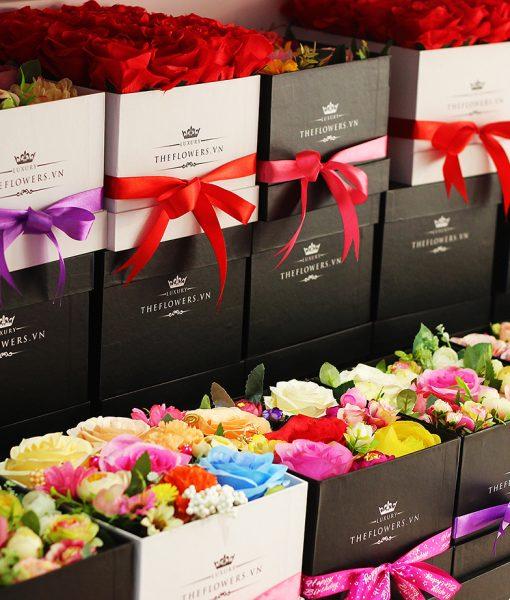 Hoa lụa bảy màu