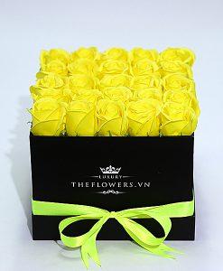 Hoa Sáp Màu Vàng – Hộp Vuông Đen