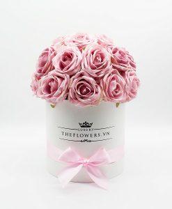 Hoa hồng lụa màu hồng phấn hộp tròn trắng size M