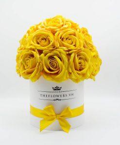 Hoa hồng lụa màu vàng hộp tròn trắng size M