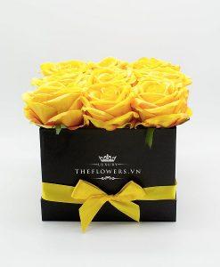 Hoa hồng lụa màu vàng hộp vuông đen - Món quà Sang trọng từ Dịch vụ Điện hoa