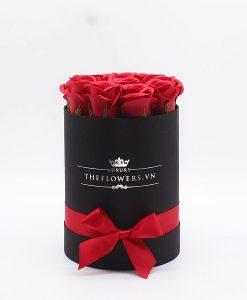 Hoa hồng sáp màu đỏ hộp tròn đen size S - Dịch vụ điện hoa Hà Nội