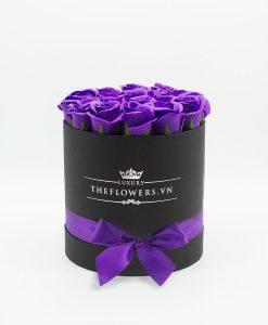Quà tặng 20 11 - Hoa hồng sáp màu tím hộp đen size M