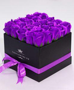hoa sáp hộp đen màu tím quà tặng 20 10