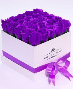 hoa sáp hộp trắng màu tím quà tặng 20 10