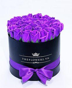 hoa sáp hộp tròn đen màu tím quà tặng 20 11