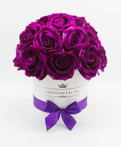 Hoa hồng lụa màu tím hộp tròn trắng size M
