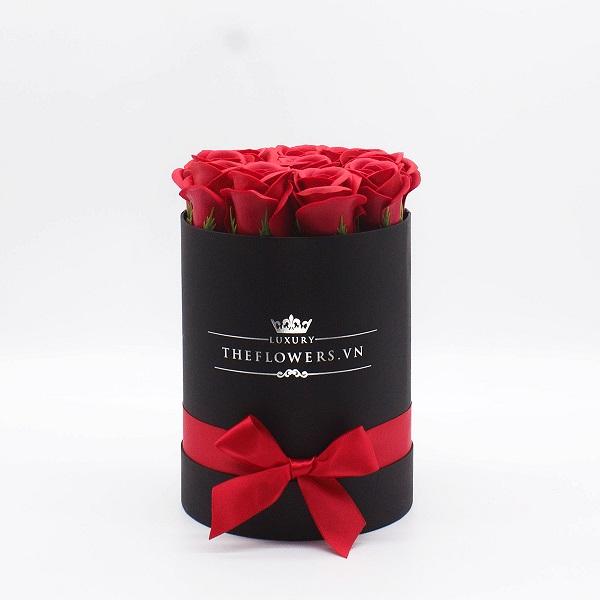 Hoa Hồng Sáp Màu Đỏ Hộp Tròn Đen Size S - Hoa 20 11