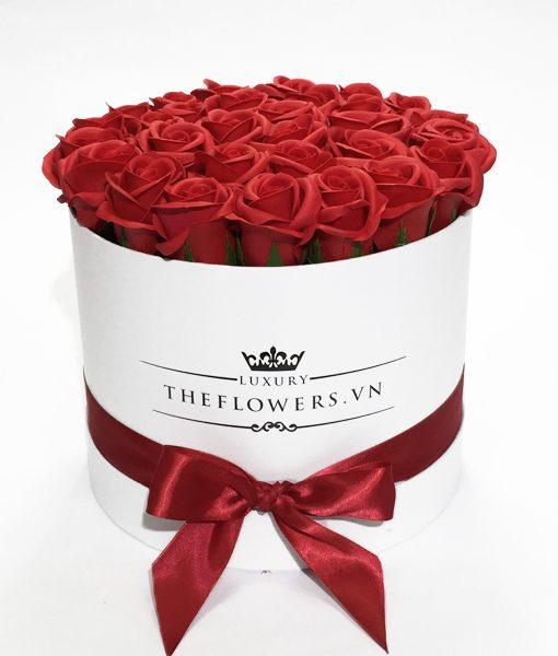 Hoa hồng sáp đỏ hộp tròn trắng - Quà tặng thầy cô 20 11