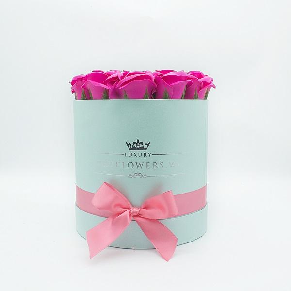 Hoa sáp màu hồng hộp tròn xanh size M