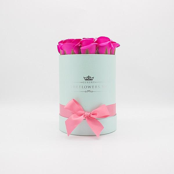 Hoa sáp màu hồng hộp tròn xanh size S