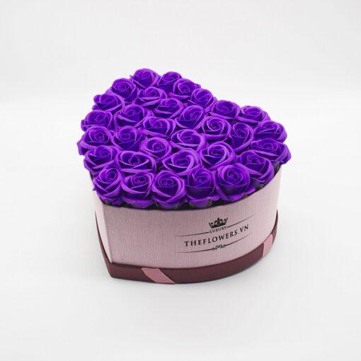 Hoa sáp màu tím hộp trái tim size L