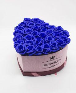 Hoa sáp màu xanh hộp trái tim size L