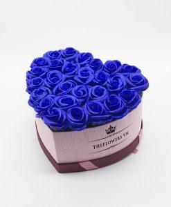 Hoa sáp màu xanh hộp trái tim size M