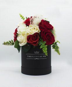 Hoa Lụa Phối Màu Đỏ Kem - Hộp Tròn Đen Size M