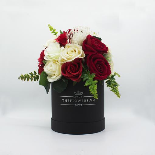 Hoa Lụa Phối Màu Trắng Đỏ Kem Hộp Đen Size M - Hoa Sinh Nhật