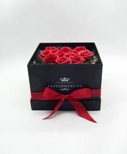 Hộp hoa đựng quà