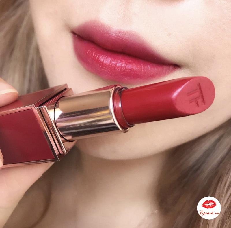tom-ford-lost-cherry-lip-color
